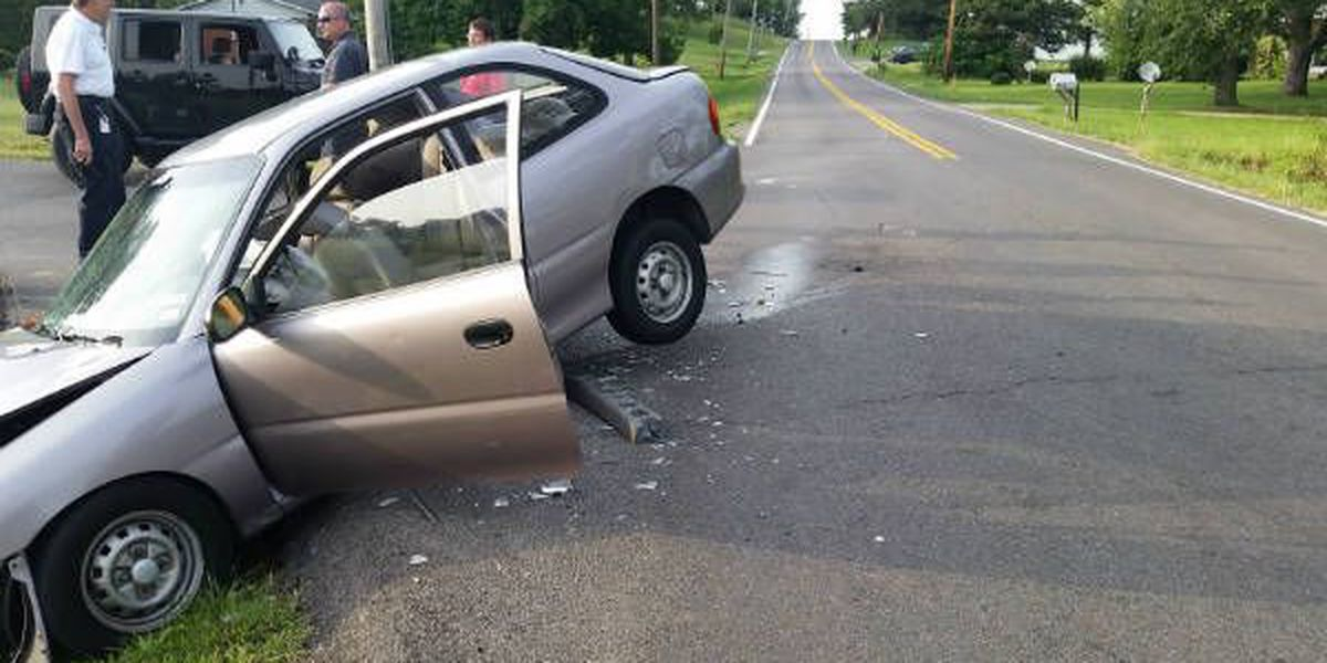 1 injured in two-vehicle crash on Old Mayfield Rd.