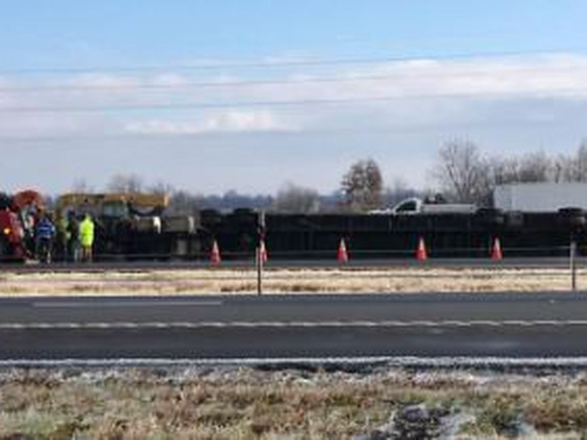 Semi rollover causing delays on I-55 NB