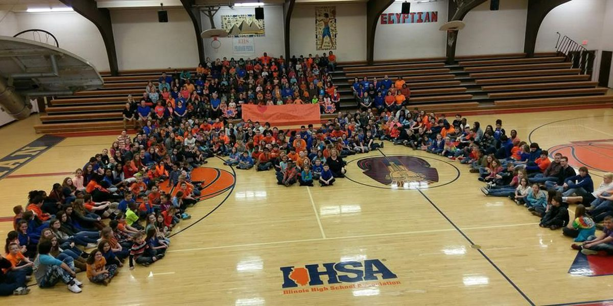 Egyptian School in Tamms shows support for Marshall County