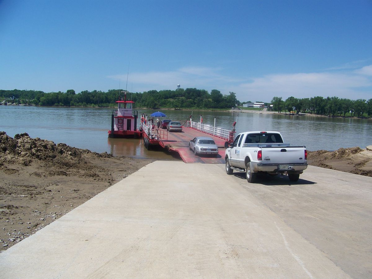 Cave-in-Rock Ferry to remain open, contract agreement extended
