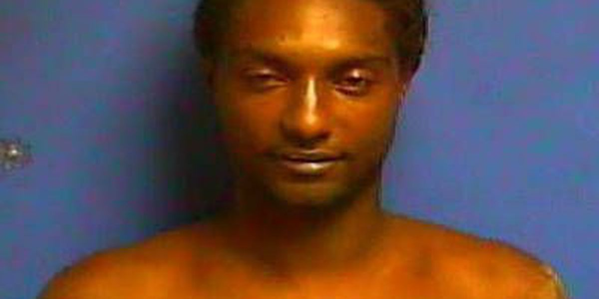 Man charged with Paducah murder turns himself in