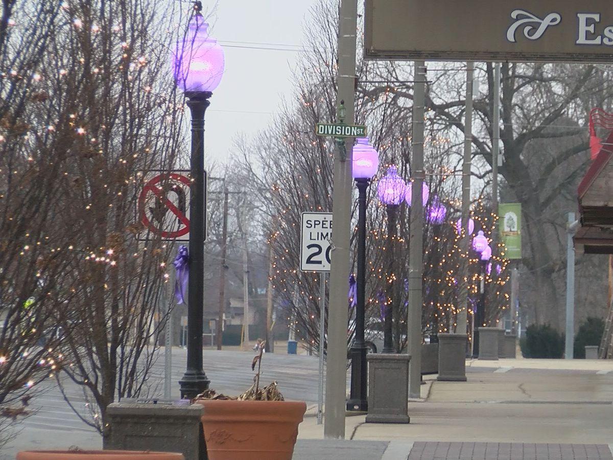 Heartland community lights up town for student battling cancer