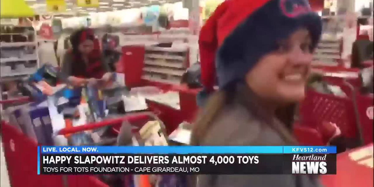 Happy Slapowitz delivers nearly 4,000 toys to Toys for Tots program