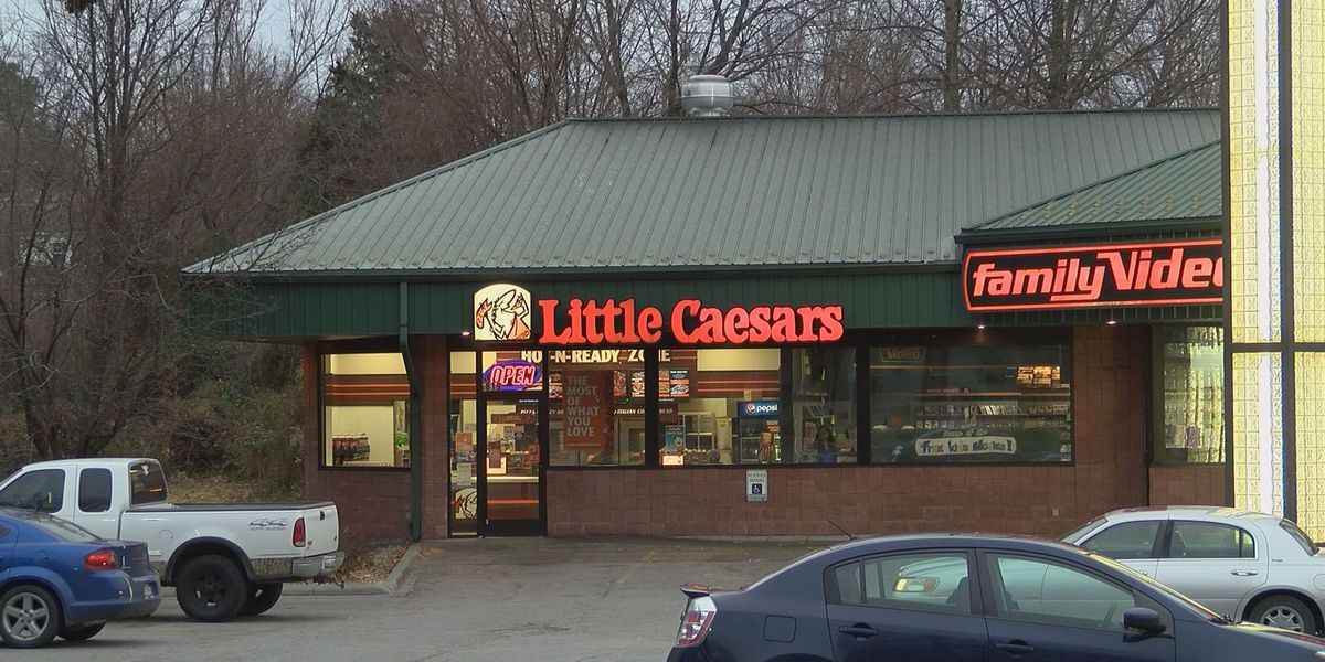 Carbondale police look for suspect after Little Caesars armed robbery