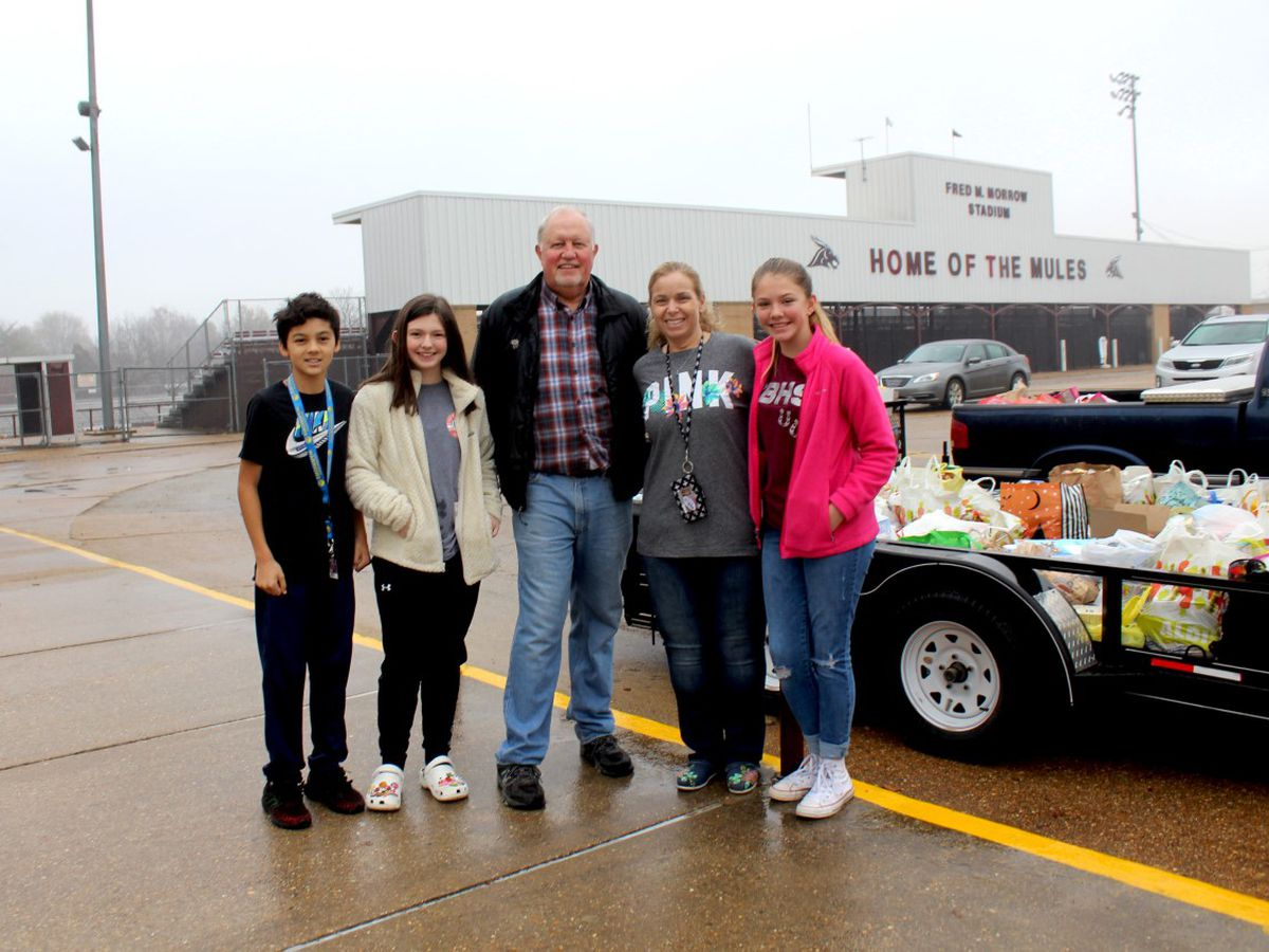 Thousands of cans donated from Poplar Bluff schools