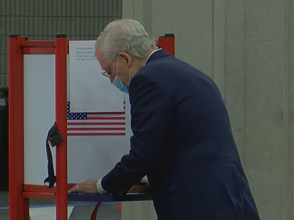 Sen. McConnell votes early in 2020 Election
