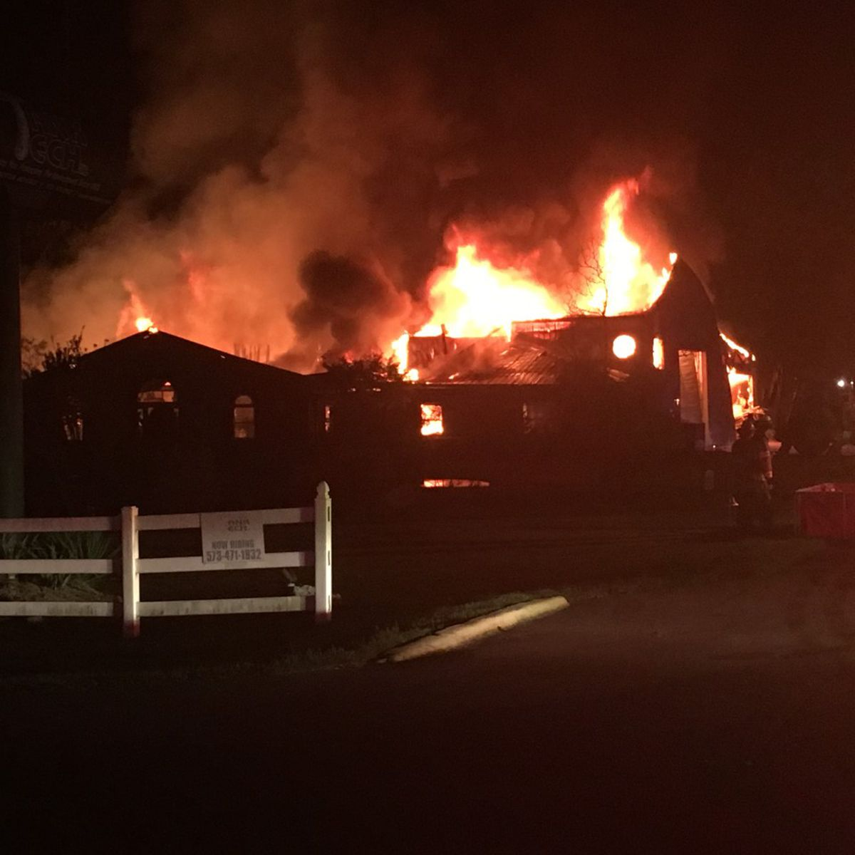 City boil order lifted following intense business fire in