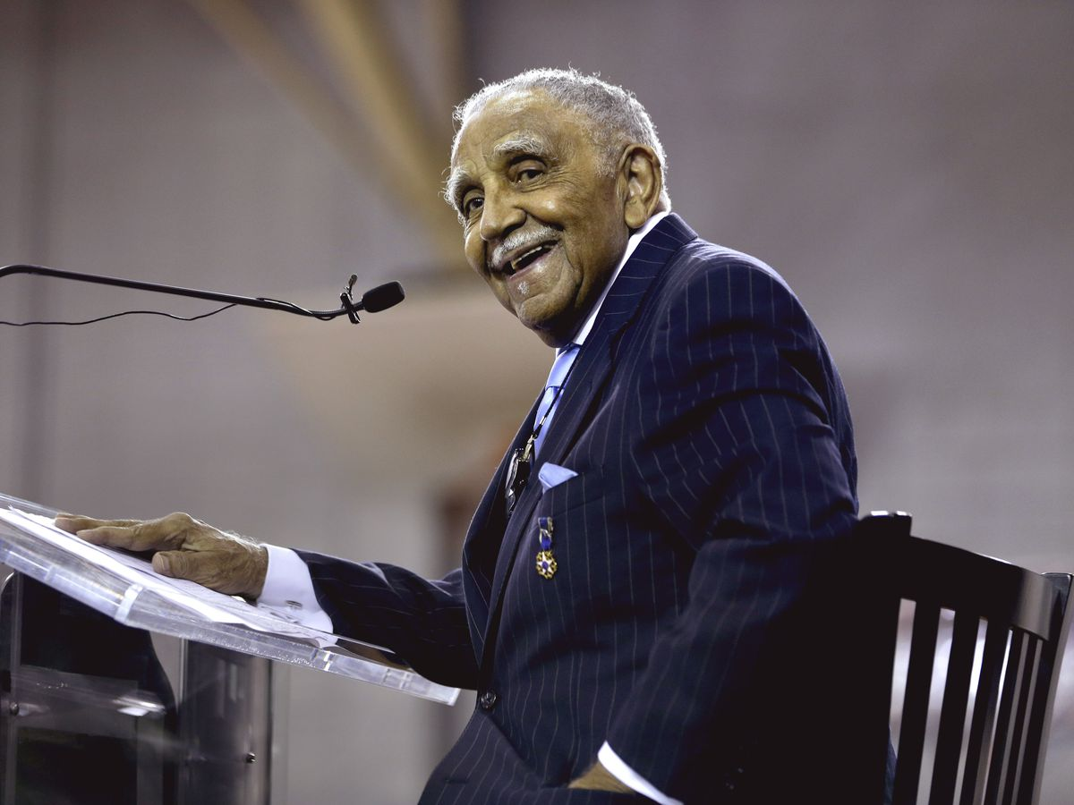 Civil rights leader, MLK aide Joseph Lowery dies at 98