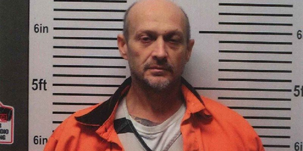 Man wanted in 3 IL counties