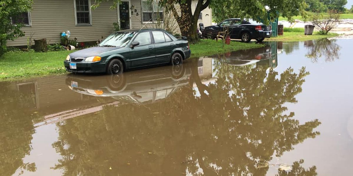 Rain causes flooded streets in East Cape Girardeau