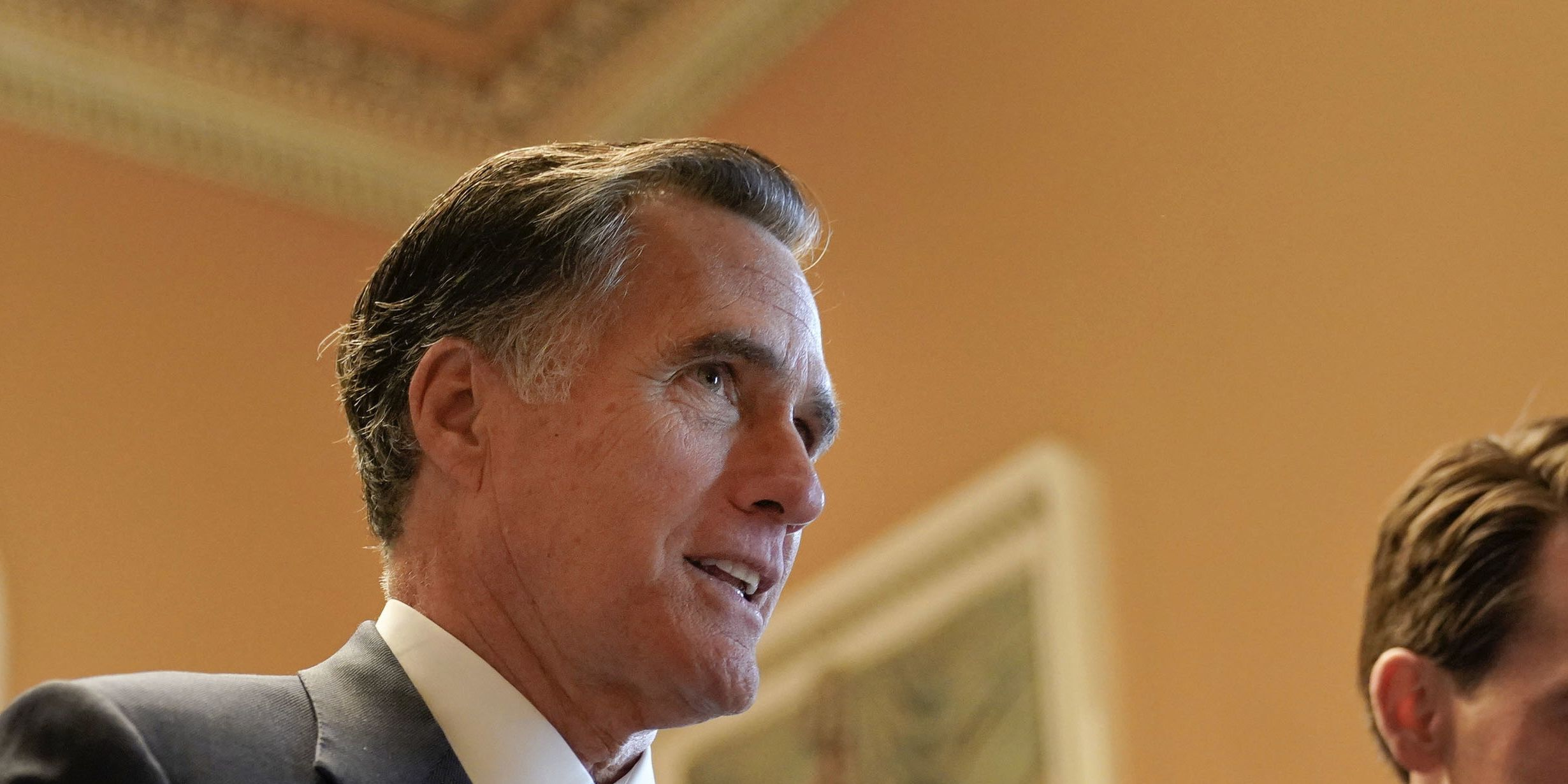 New year begins with Romney, Trump at odds
