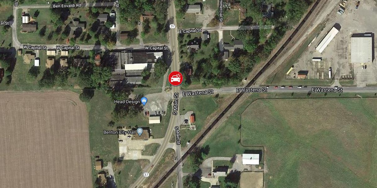 Highway 37 clear after crash in Benton, Ill.
