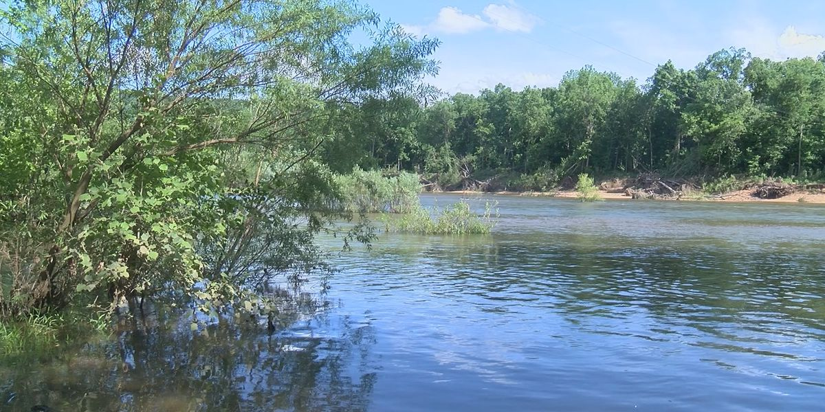 Heartland boy saves family from nearly drowning on kayak trip