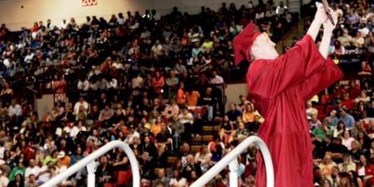 More than 300 graduate from Poplar Bluff R-1