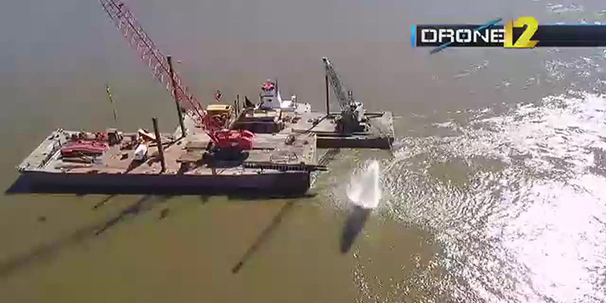 Drone12: Barge on the Mississippi River 10/1