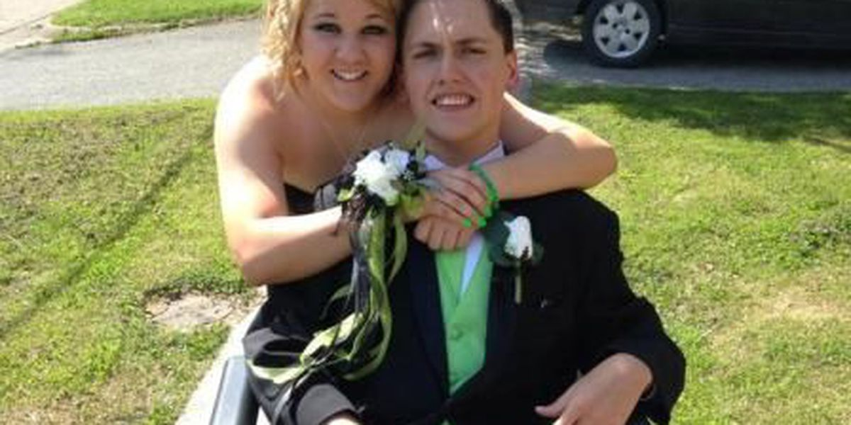 No ordinary prom night for Anna student