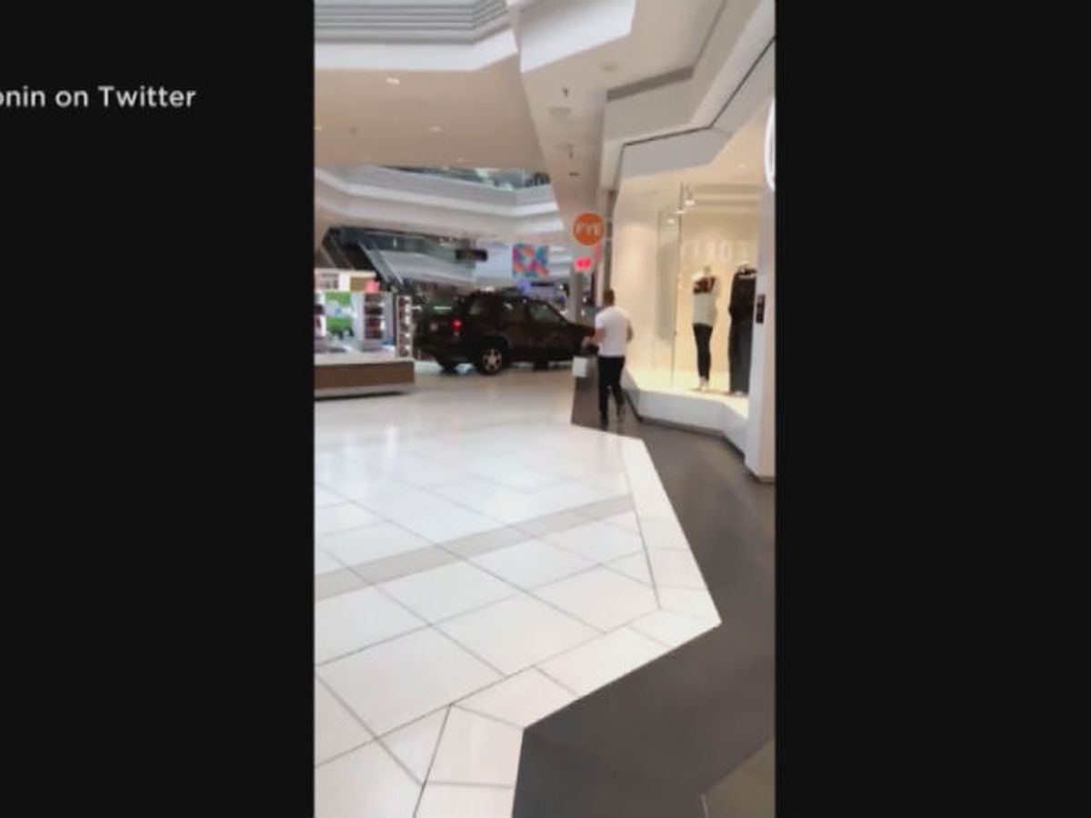 Caught on camera: Car drives through Ill. mall