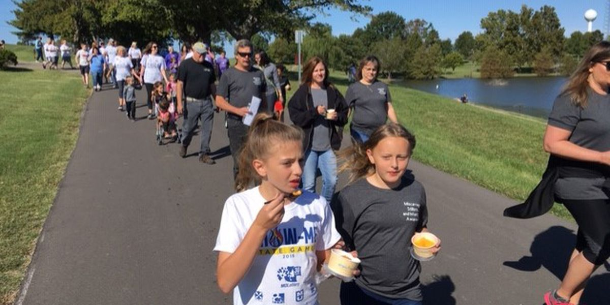 Hundreds attend Share Walk to remember infants who passed away