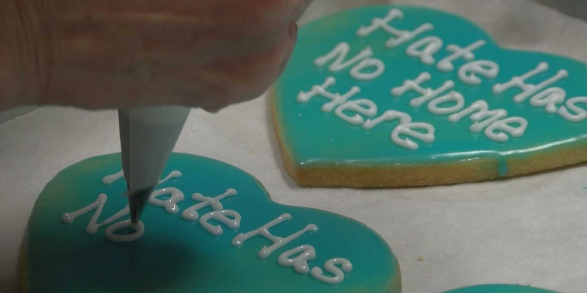 "Carbondale Bakery sells ""No Hate"" cookies to help immigrant rights program"