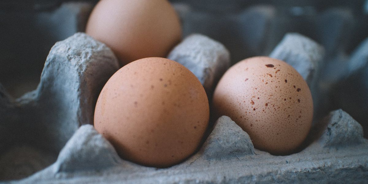 Life Hacks with Laura: How to tell if your egg is old