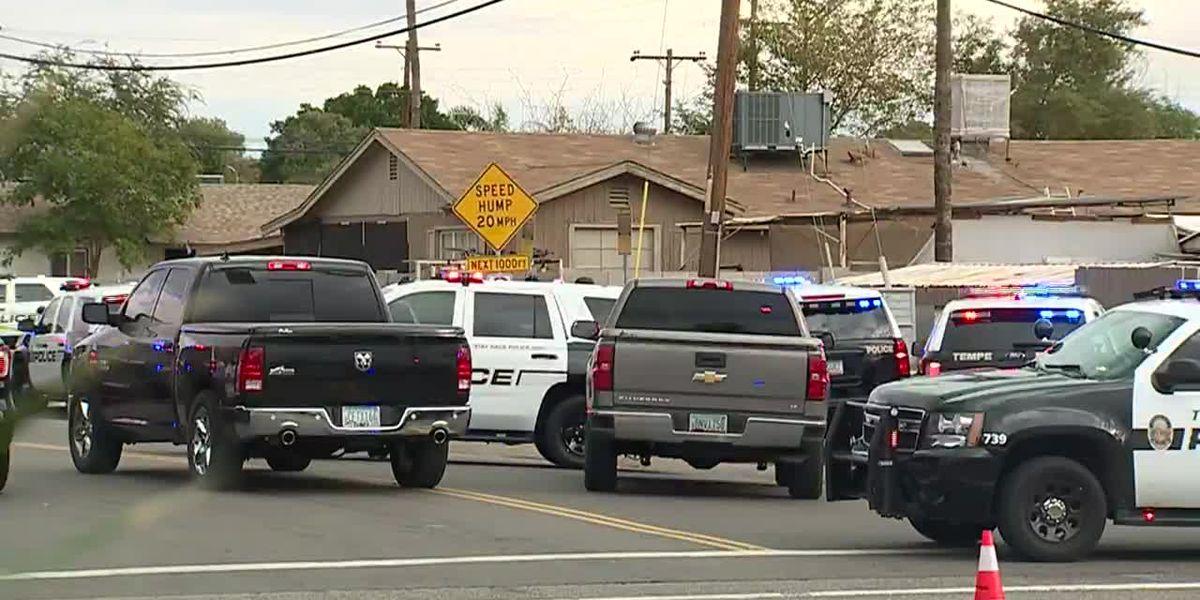 Arizona officer kills teen with replica gun