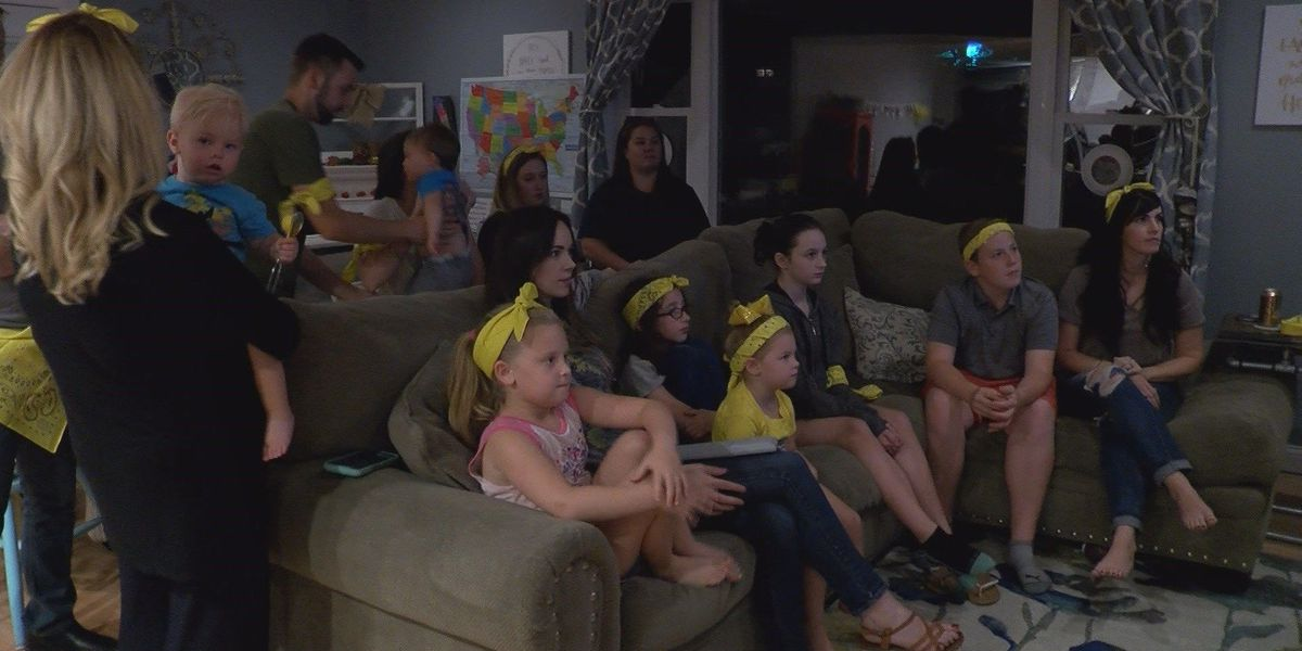 Family and friends cheer on Heartland native during Survivor premiere