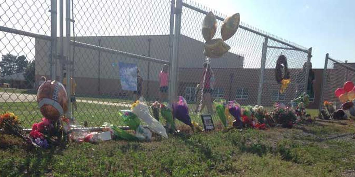 Hundreds gather to remember teen killed in accidental shooting at school parking lot