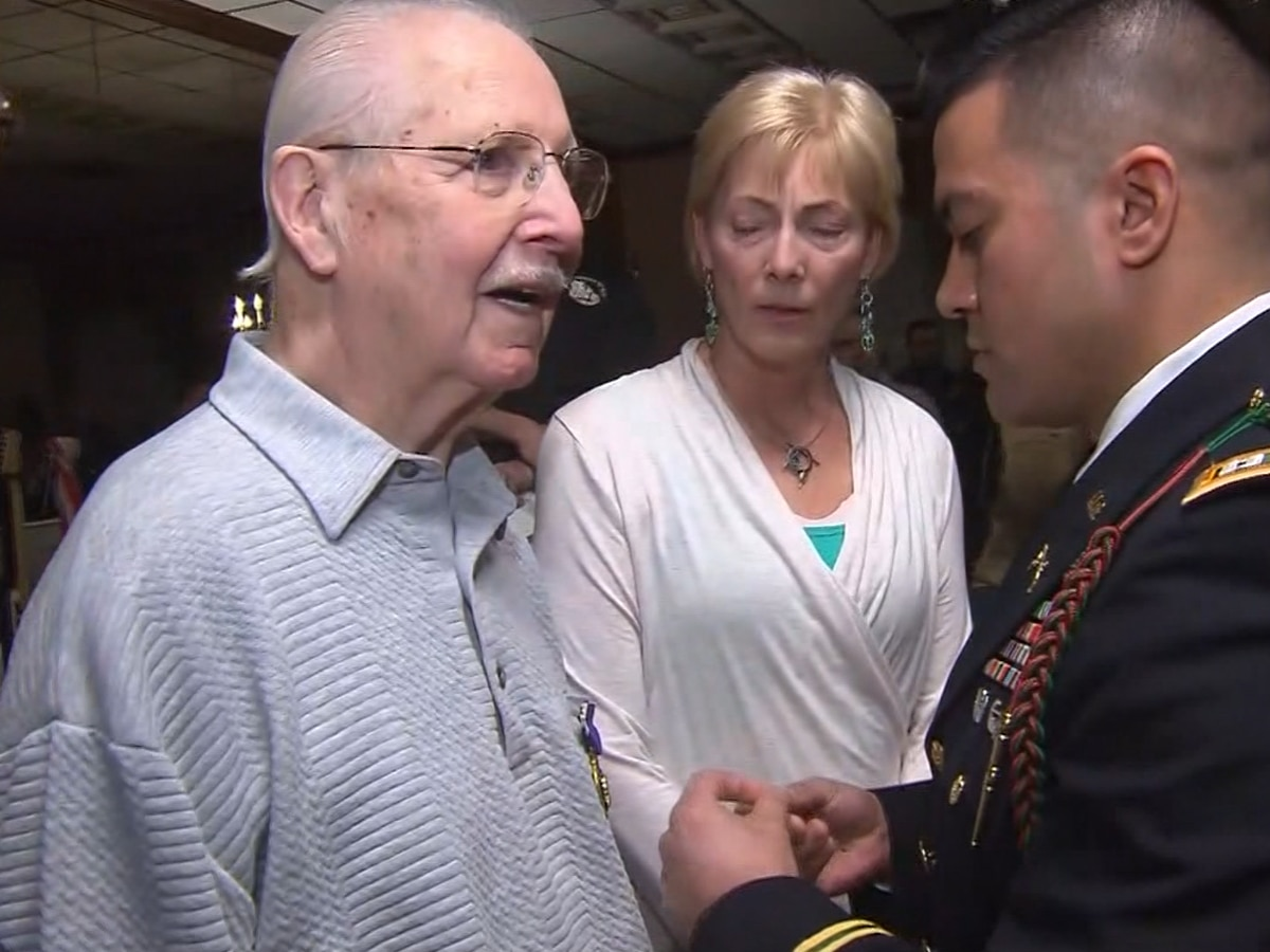 WWII veteran gets Purple Heart after 75 years