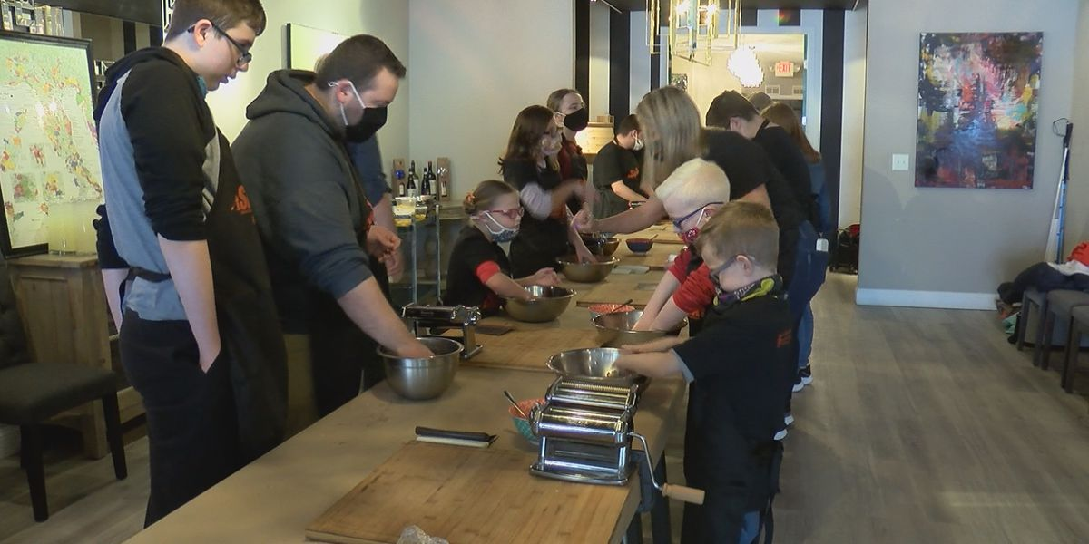Program holds cooking class for southeast Mo. kids who are visually impaired