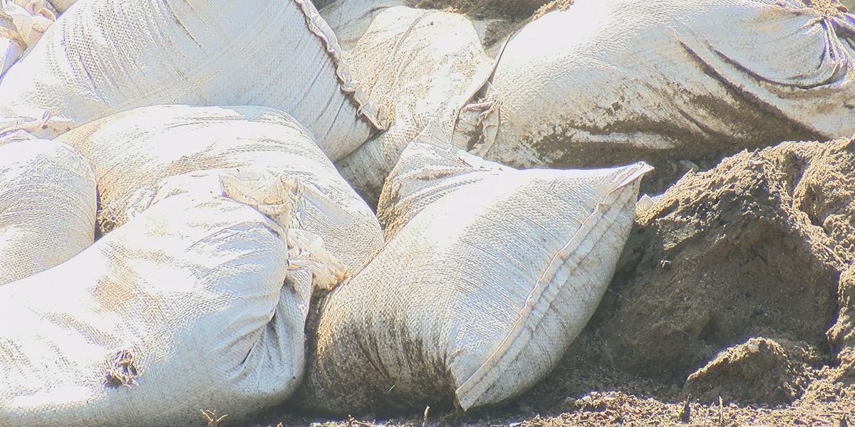 McClure, Ill. used sandbags to battle floodwaters, now the challenge is picking them up