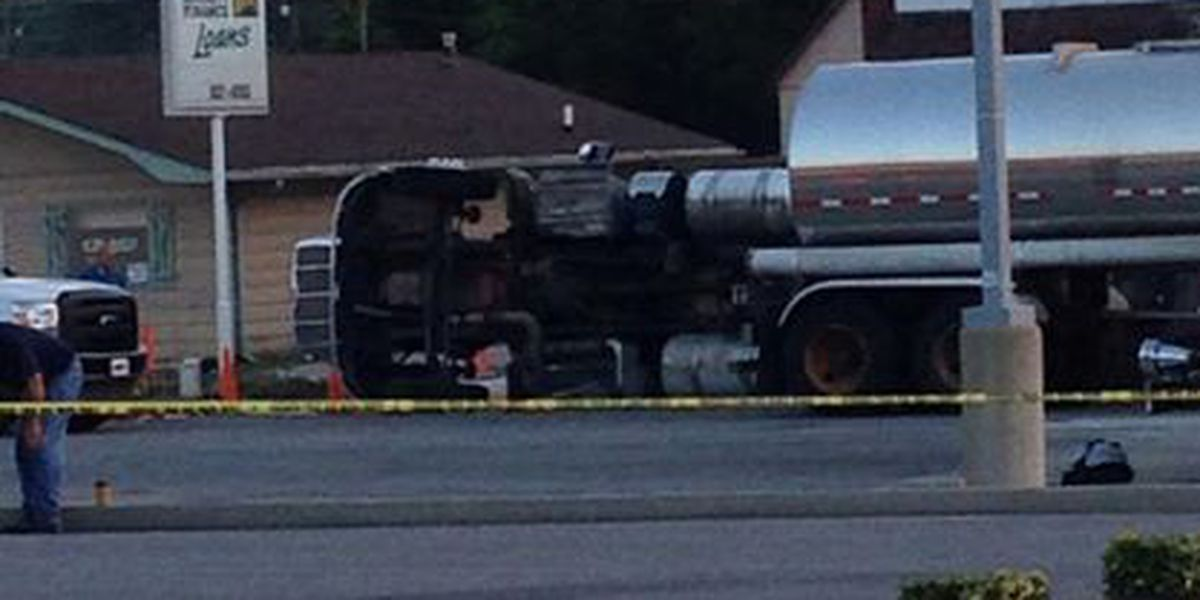 Traffic back open after tanker overturns in West Frankfort