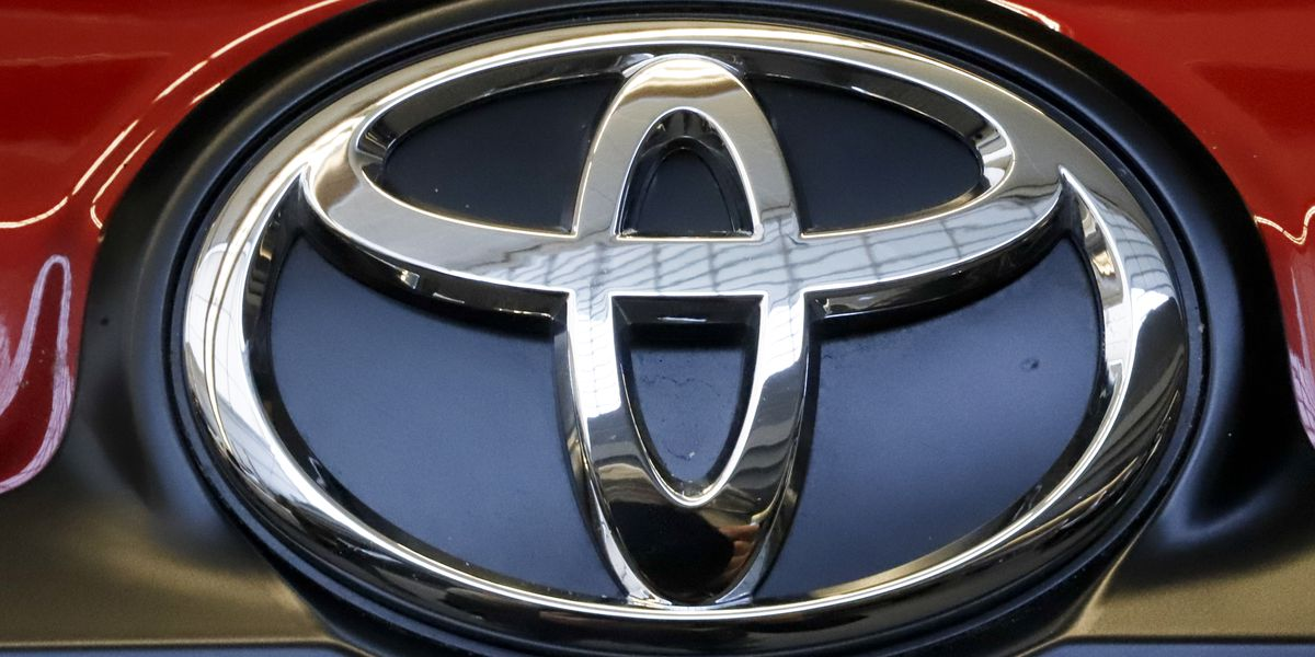 Toyota adds 1.5M vehicles to US recall for engine stalling
