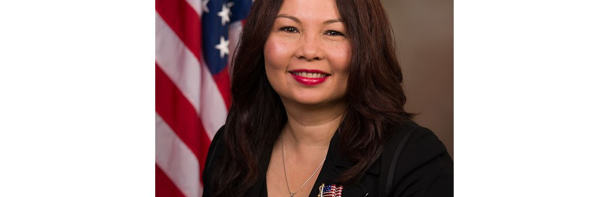 Sen. Duckworth introduces bill for body armor, equipment to fit female service members