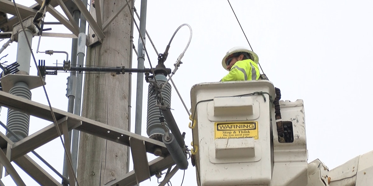 Ameren installs new tech in Gallatin County electrical grid