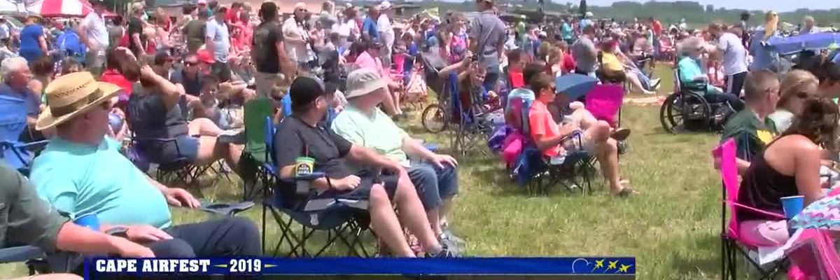 Doctor urges people to wear sunscreen, stay hydrated at Sunday air show