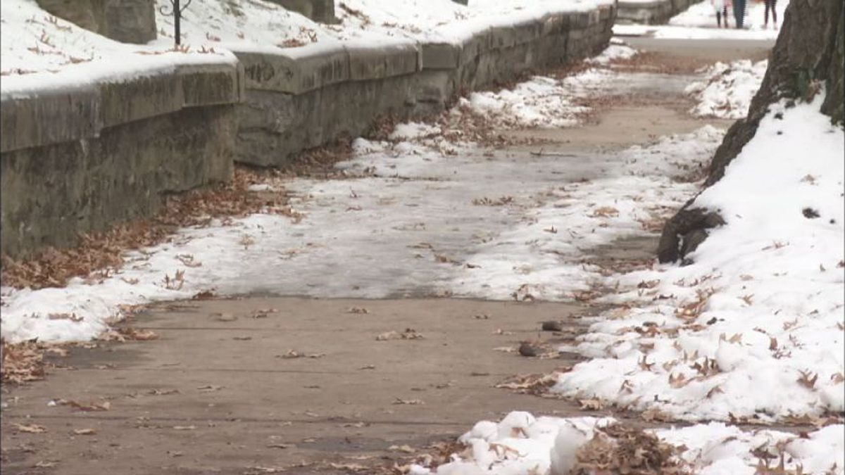 Heartland ER doctor warns to be careful walking on ice