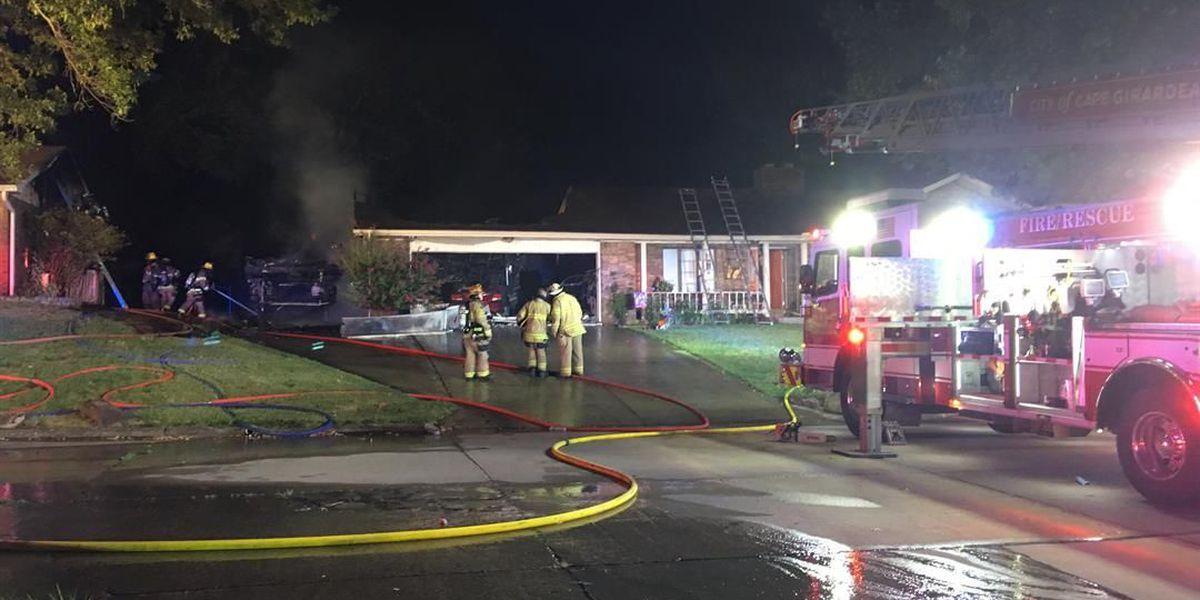 Camper fire damages 2 homes in Cape Girardeau, MO