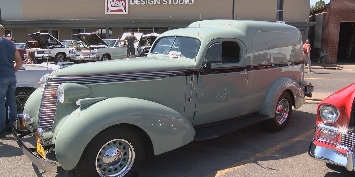 Classic cars take over Downtown Cape Girardeau on Sunday