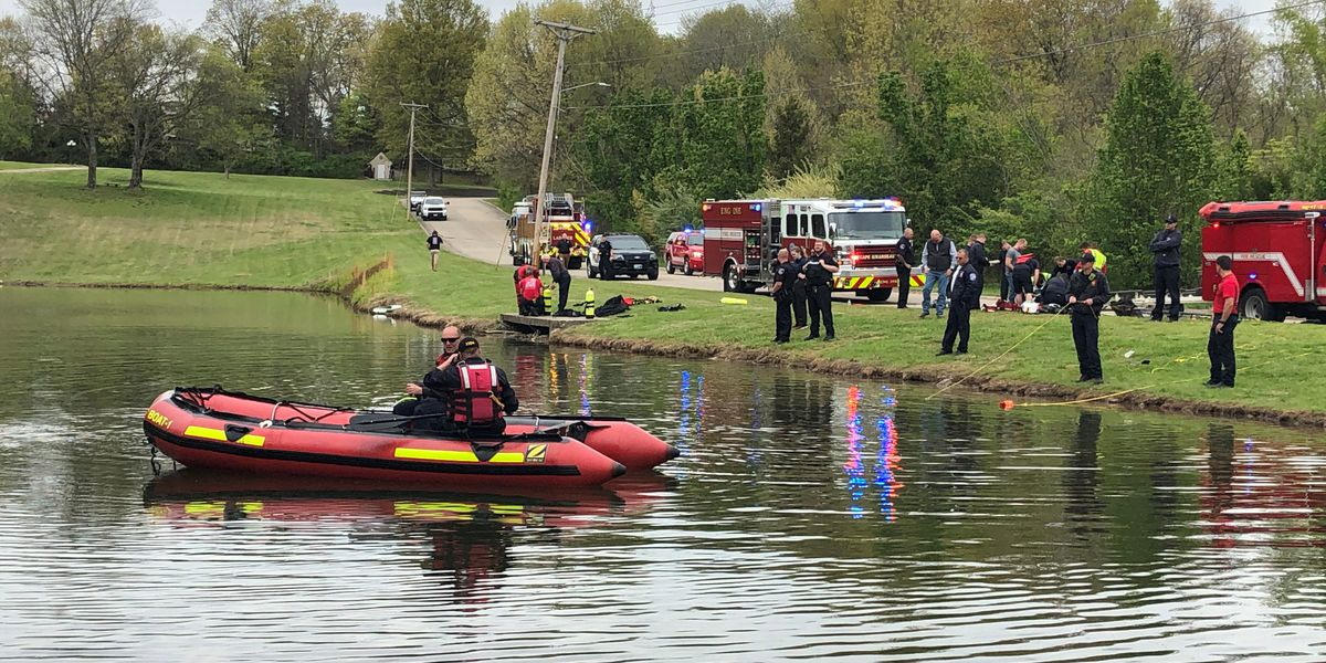 Crews respond to car in lake in Cape Girardeau; 1 person dead, officials investigating