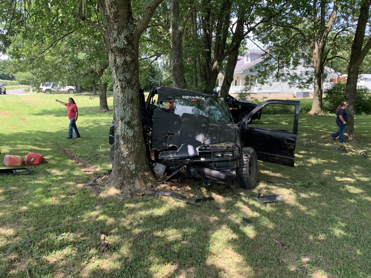 Man injured in single car Graves County Crash