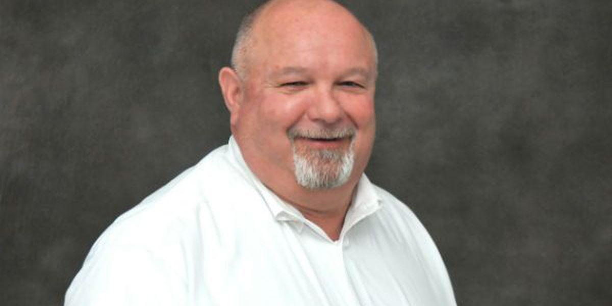 Rend Lake College Dean of applied science and tech retires