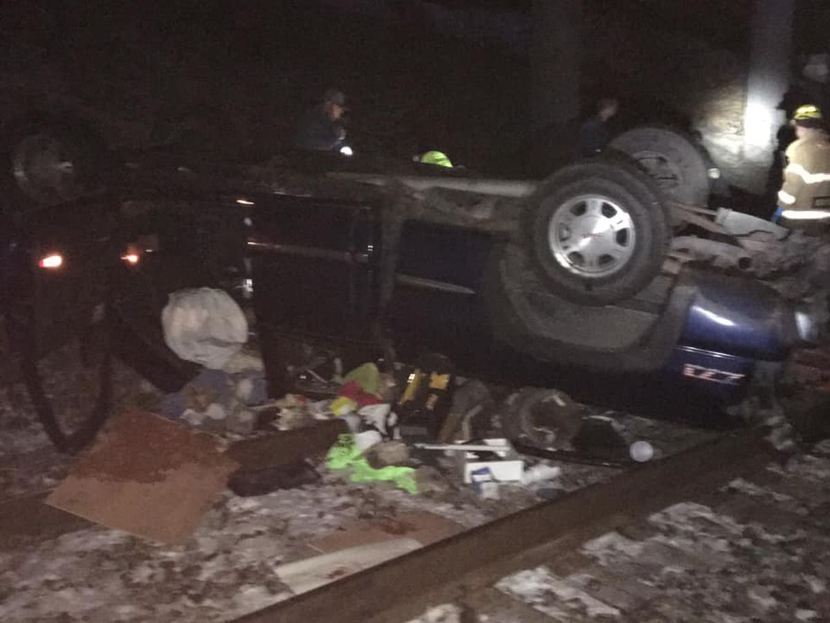 Vehicle lands on railroad tracks under highway in New Madrid Co., MO