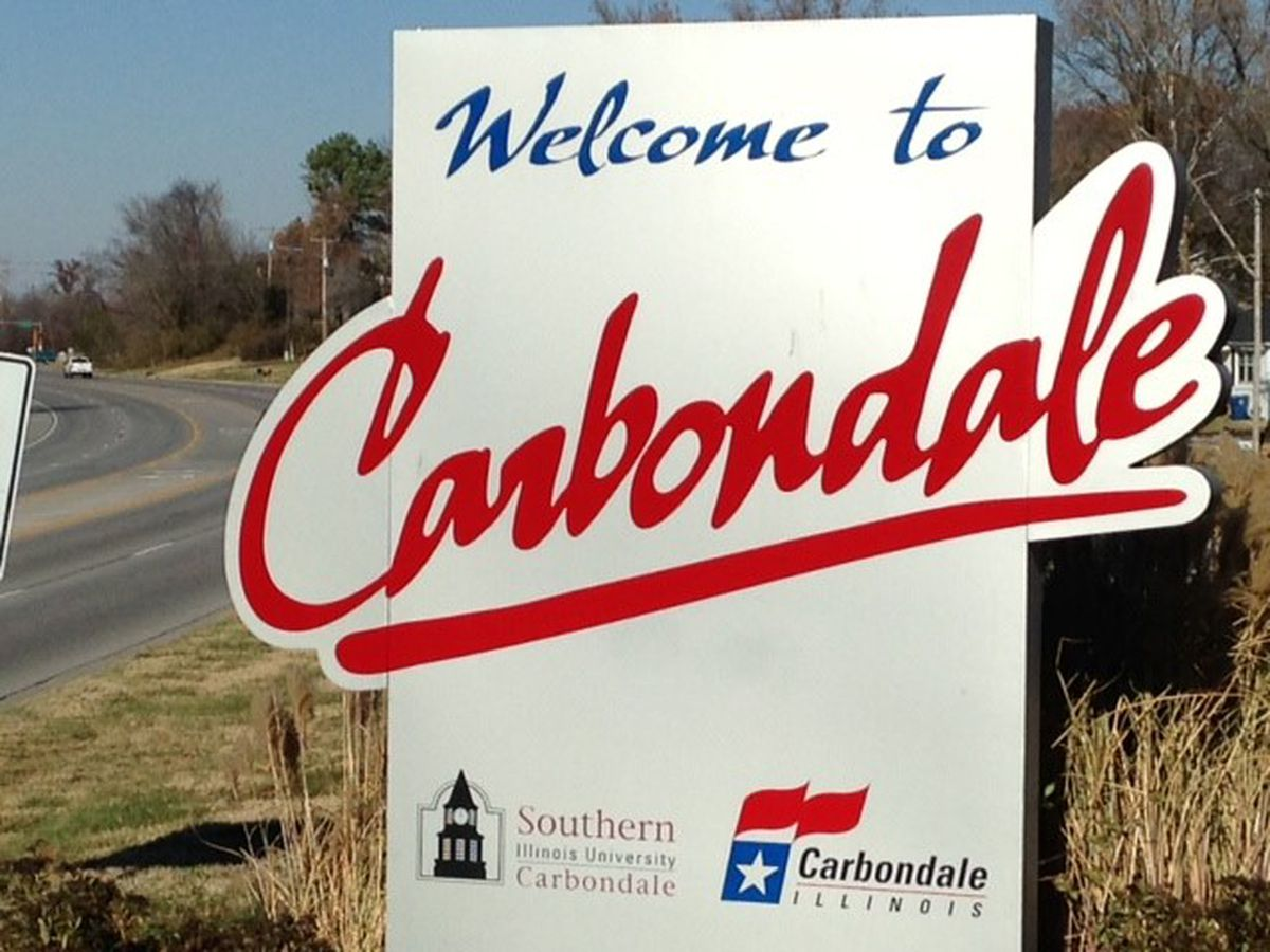 Carbondale, Ill. lake closed due to algae issues