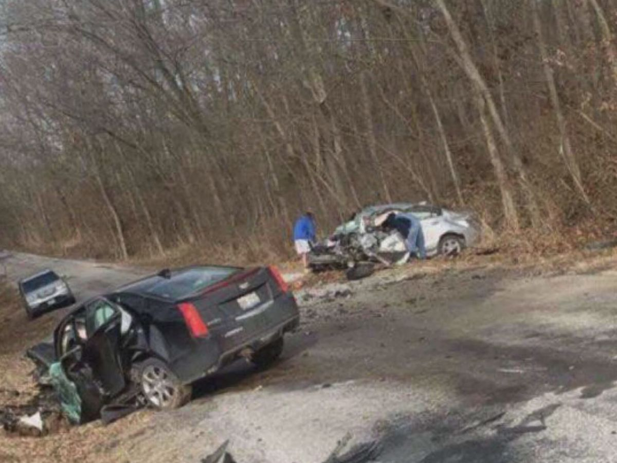 4 hospitalized after two-vehicle crash in rural Franklin Co.