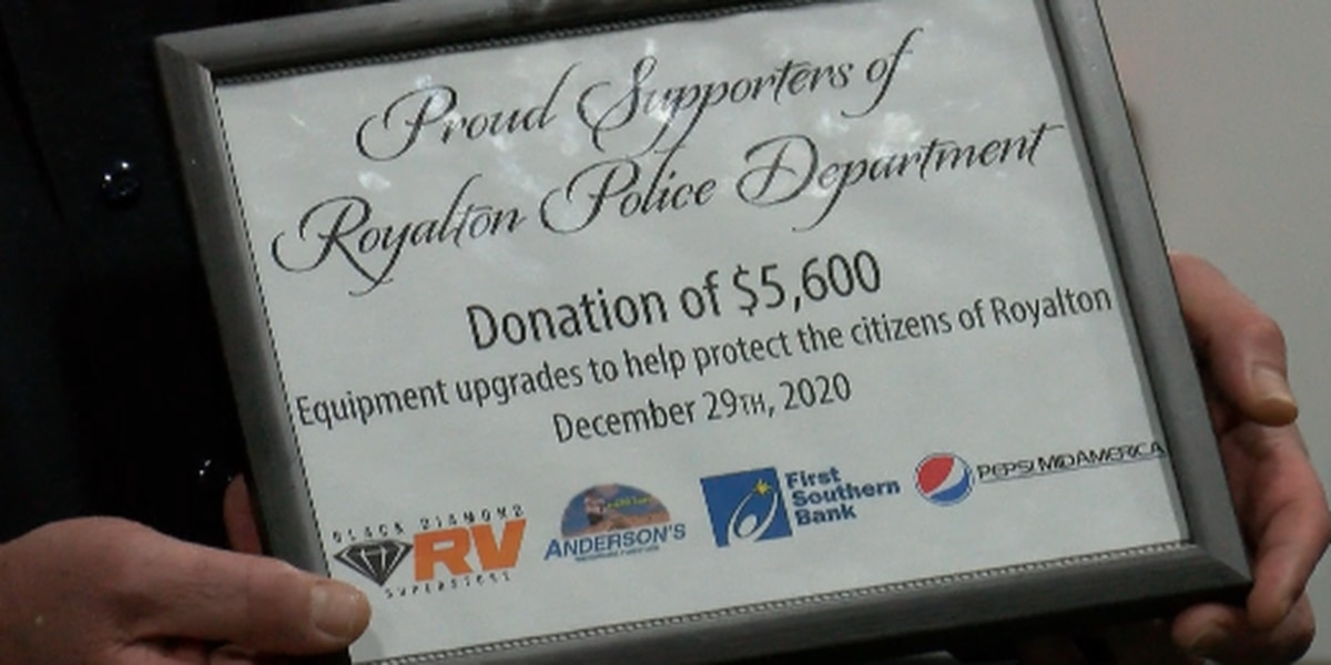 Heartland police department receives donation from Marion businesses