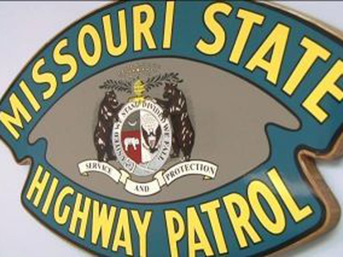 Tractor trailer overturns on I-55, officials on scene