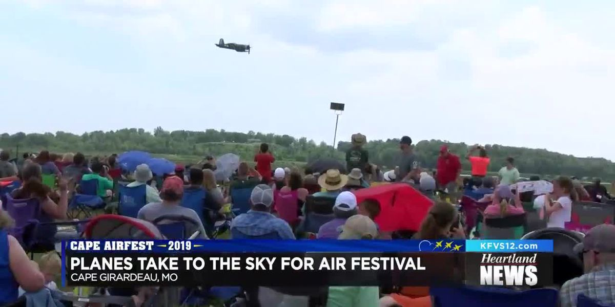 Planes take to the skies for the Cape Girardeau Air Festiival