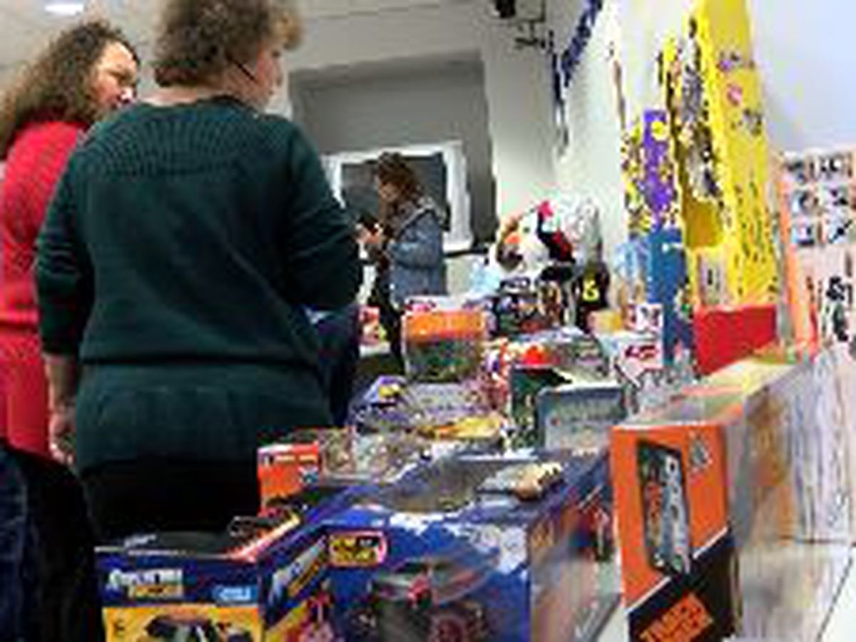 Poshard Foundation gives away 1,700 Christmas gifts to southern IL kids in need