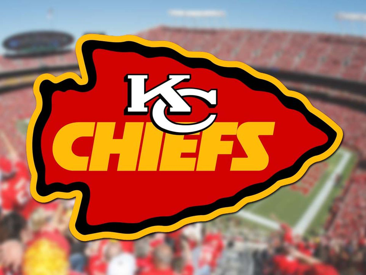 Mahomes' 4 TDs in 2nd quarter lead Chiefs past Raiders 28-10