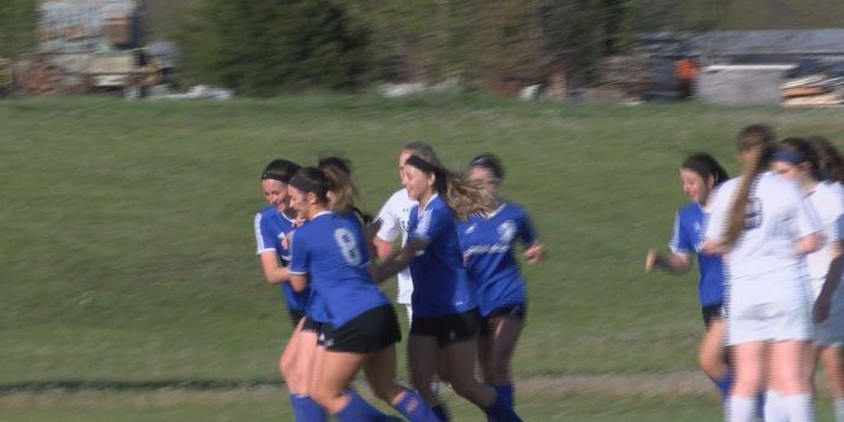 Notre Dame girls soccer uses chemistry to push undefeated season